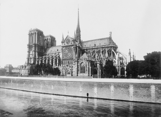 Notre_Dame_Cathedral,_Paris_between_1916_and_1917