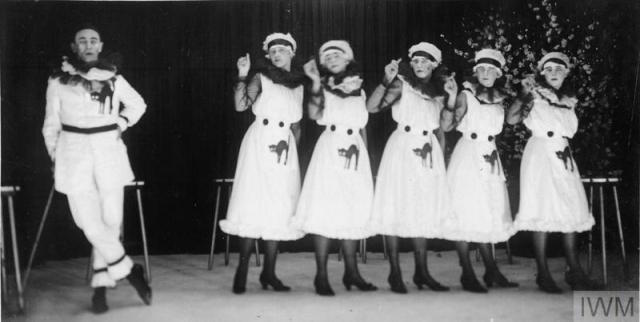 Members Of The VAD Providing Christmas Entertainment For Patients In A Hospital On Western Front 1917 IWM Q10871