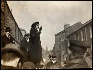 1 Lady Astor's election campaign 1919.jpg